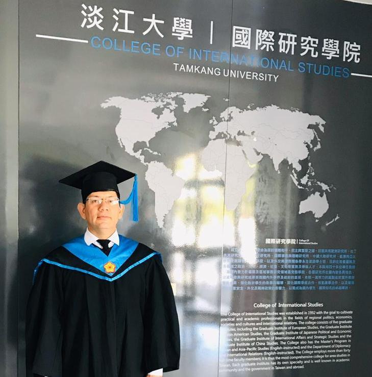 Alto jefe académico del ISEPOL culminó importante maestría, en Taiwán