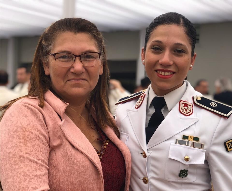 Primera mujer Oficial paraguaya...
