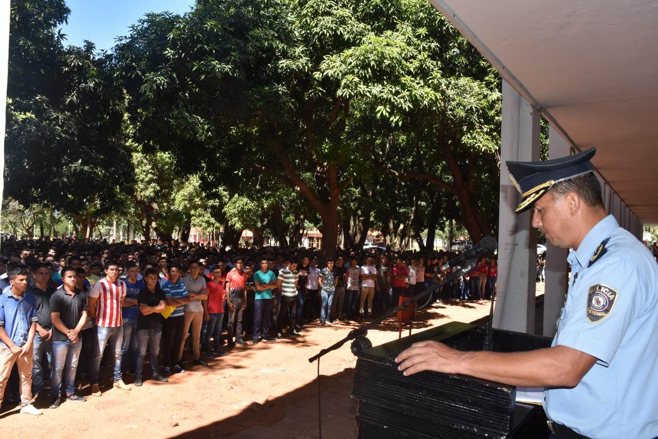 Casi 2000 jóvenes ingresaron al Colegio de Policía