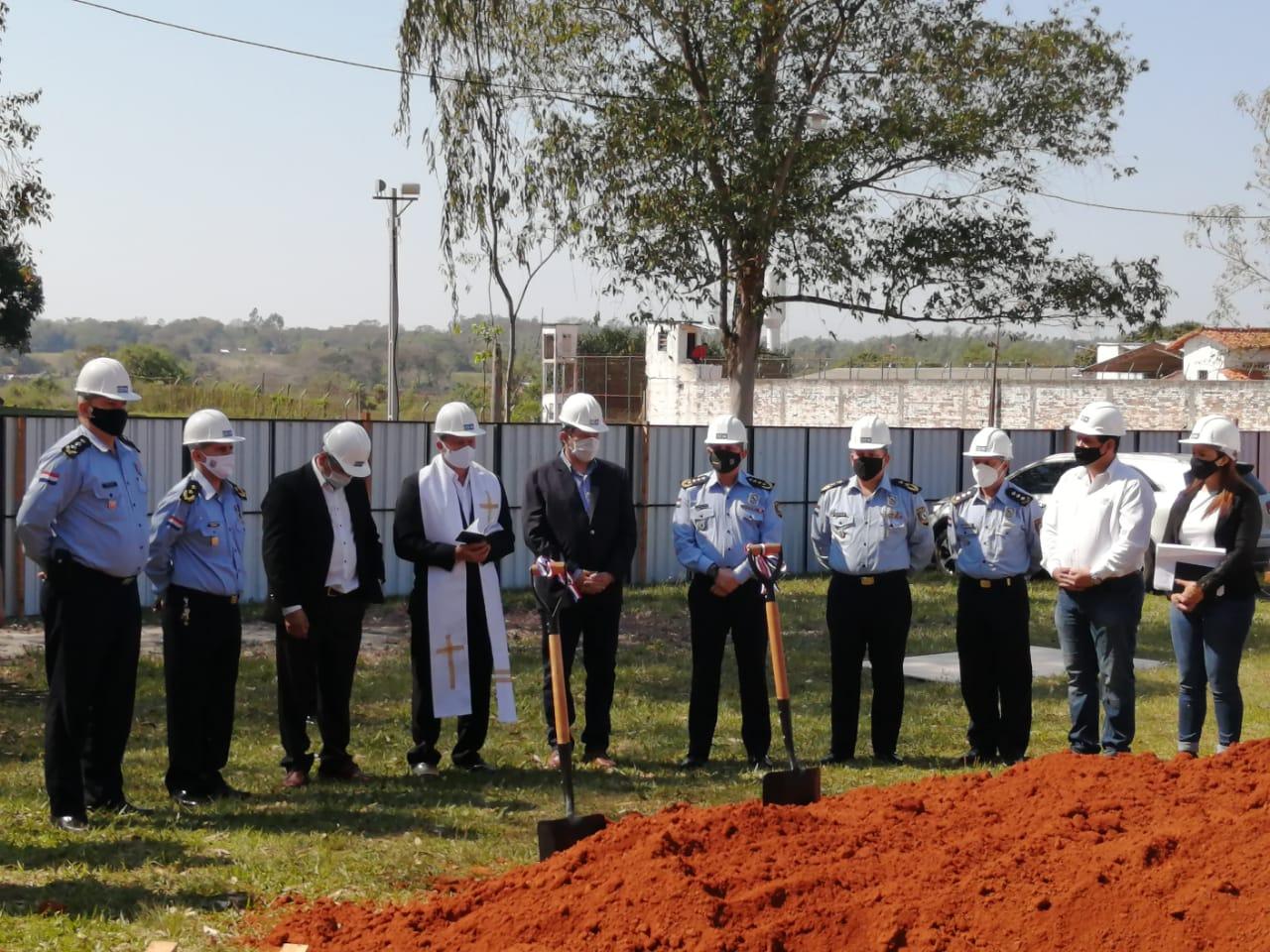 Palada inicial para la construcción de futura filial del Colegio de Policía, en Villarrica