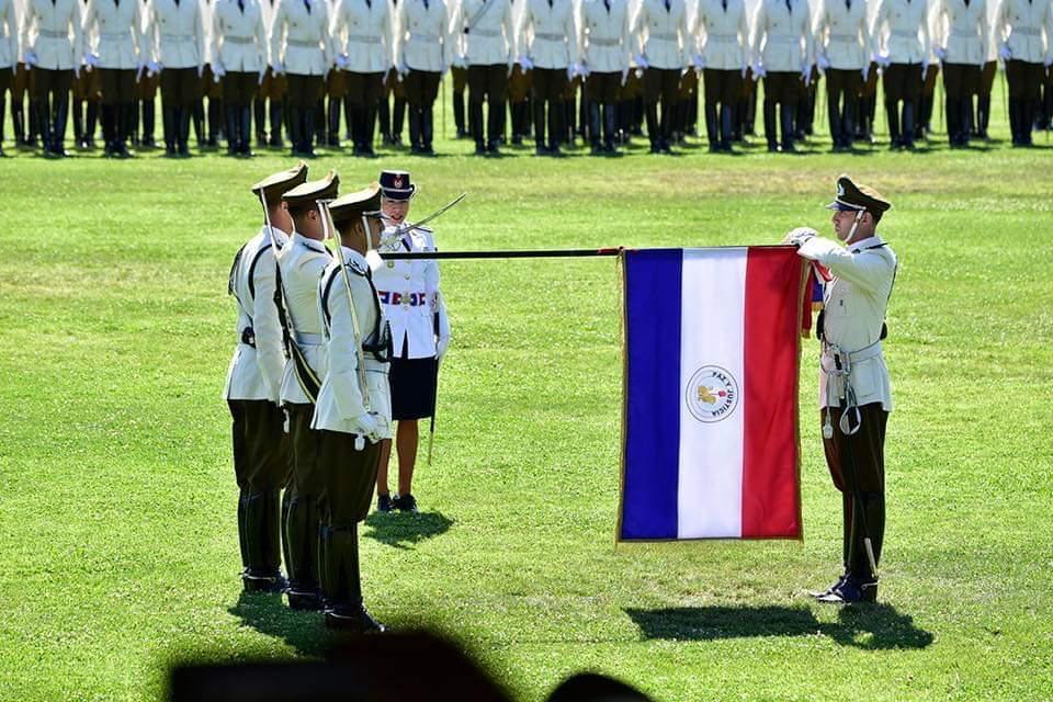 Primera mujer Oficial paraguaya egresa de la Escuela de Carabineros de Chile